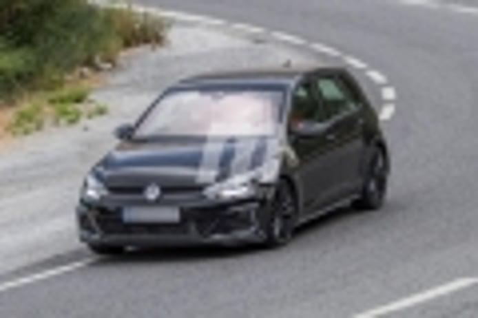 El desarrollo del SEAT León híbrido enchufable está en marcha, ¡primeras imágenes!