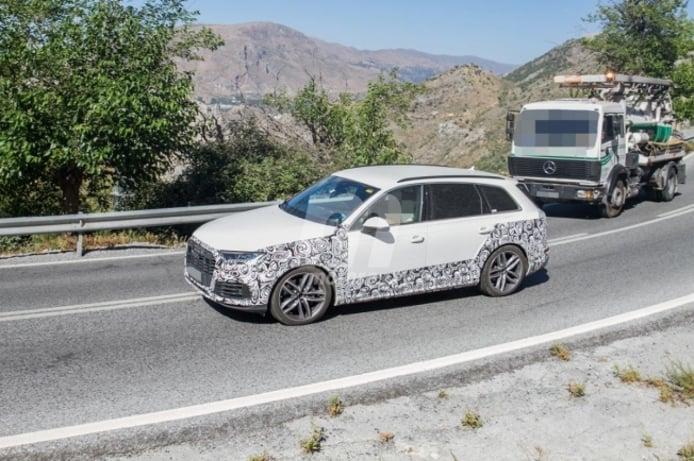 Audi Q7 TFSI e - foto espía lateral