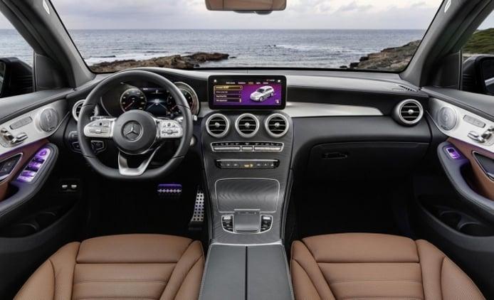 Mercedes GLC 2019 - interior