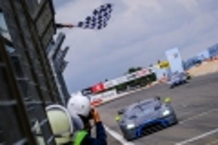 El Aston Martin #76 se impone en la segunda manga de Nürburgring