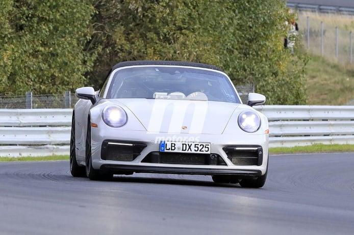 El nuevo Porsche 911 GTS Cabrio 2020 vuelve a dejarse ver destapado en Nürburgring