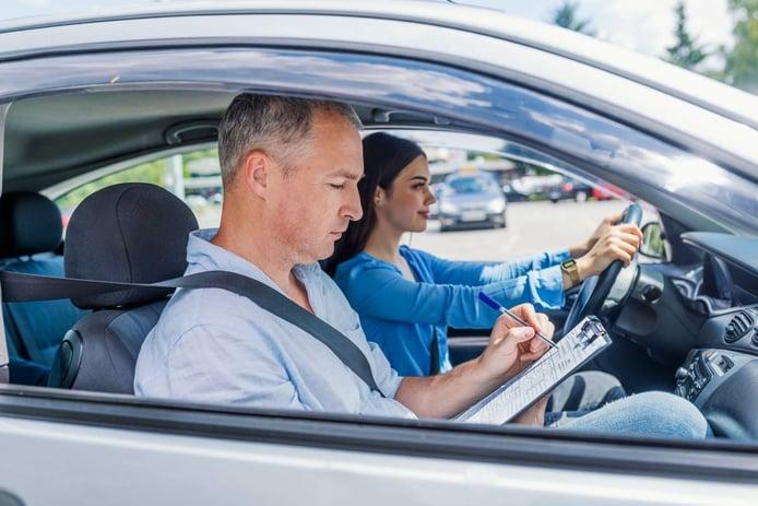 40 Trucos para aprobar el carnet de conducir rápido