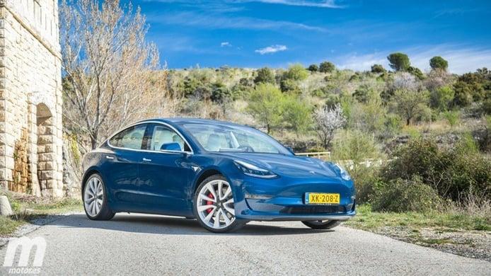 La curiosa evolución del precio de los coches eléctricos en China, Europa y Estados Unidos