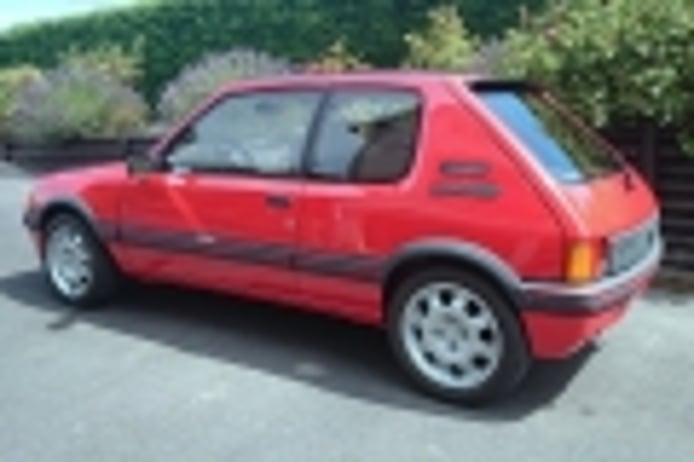 Amores de juventud: el Peugeot 205