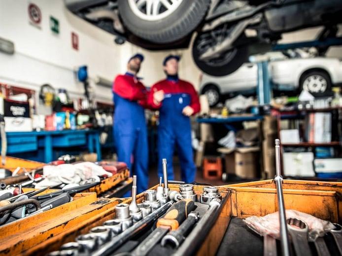 Qué es el libro de mantenimiento del coche y por qué es tan importante