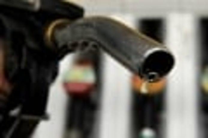 Los impuestos de la gasolina ¿cuánto pagamos de más por cada litro?