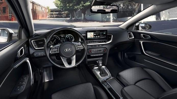 Kia XCeed PHEV - interior