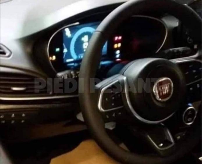 Fiat Tipo Cross - foto espía interior