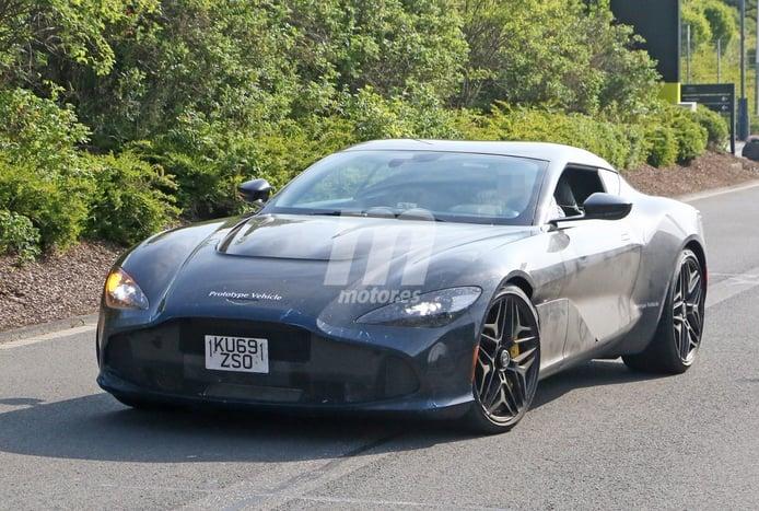 El nuevo Aston Martin DBS GT Zagato cazado por primera vez en la calle