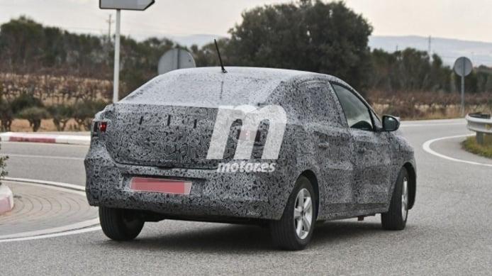 Dacia Logan 2021 - foto espía posterior