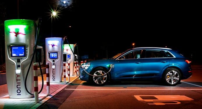 Los Audi e-tron y e-tron Sportback contarán con un nuevo cargador rápido en otoño