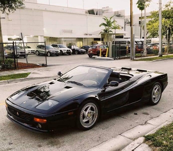 El raro Ferrari F512M también tuvo una poco conocida versión descapotable