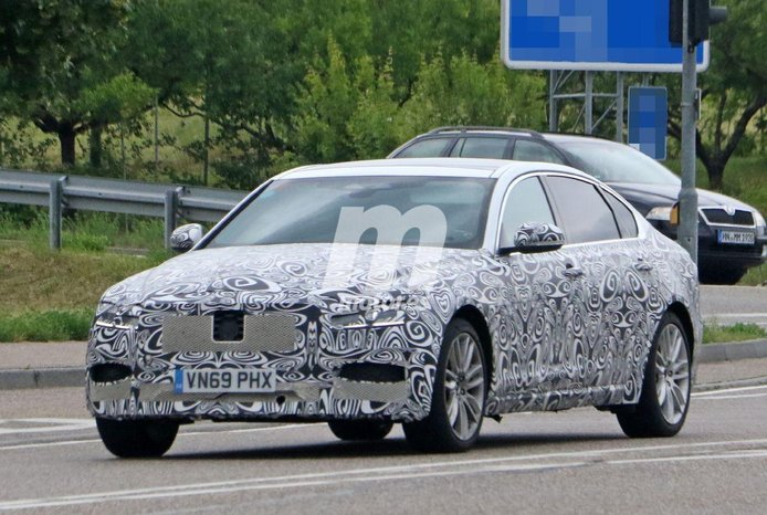 Cazan el facelift de los Jaguar XF y XF Sportbrake 2021 de pruebas por Alemania