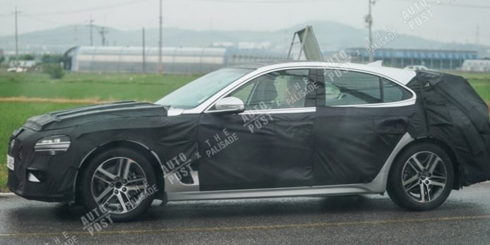 Genesis G70 Shooting Brake - foto espía lateral
