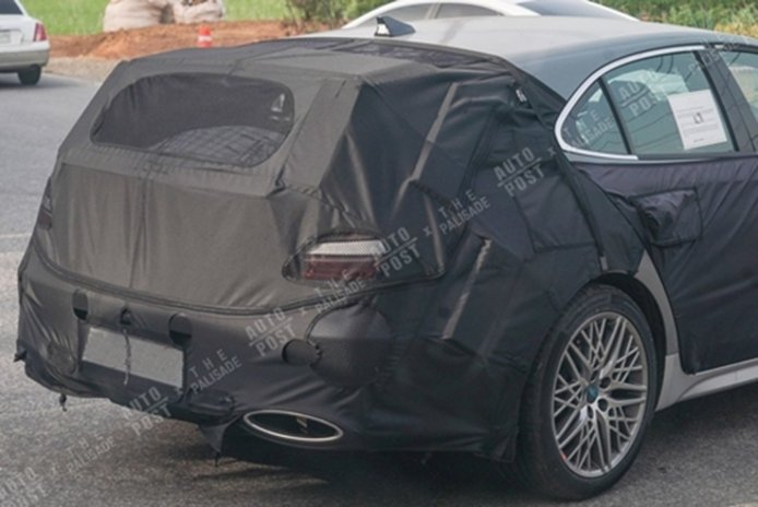 Genesis G70 Shooting Brake - foto espía posterior