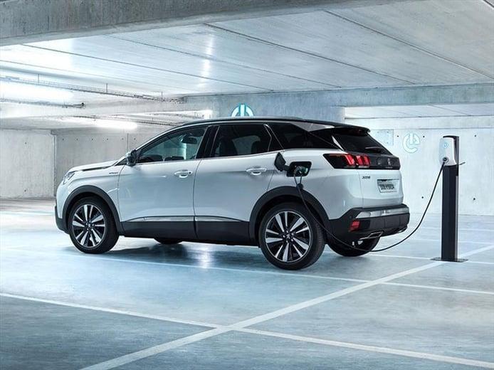 El futuro Peugeot 3008, previsto para 2023, llegará con el eléctrico e-3008