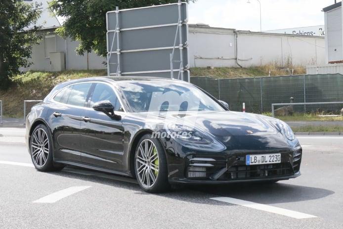El Porsche Panamera Sport Turismo Turbo S E-Hybrid 2021 apura sus pruebas en Nürburgring