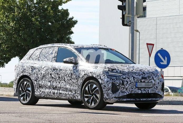 El Audi Q4 e-tron, la alternativa premium al Volkswagen ID.4, ha sido cazado