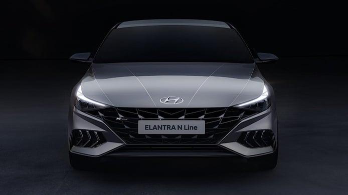 El Hyundai Elantra N Line luce espectacular en su primera sesión de fotos