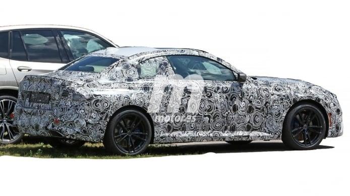 BMW Serie 2 Coupé 2021 - foto espía posterior