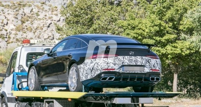 Mercedes-AMG GT 73 e - foto espía posterior