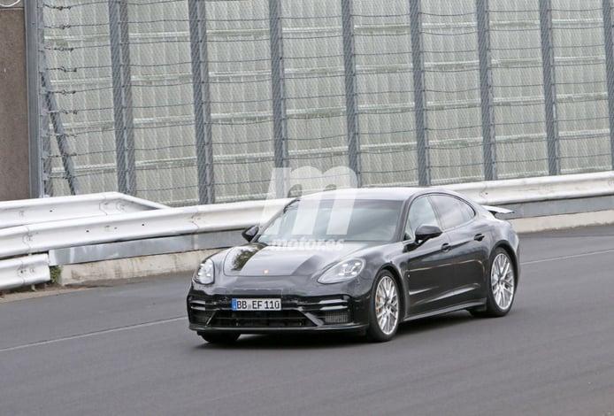 Misterioso prototipo del Porsche Panamera Turbo Facelift busca nuevo récord en Nürburgring