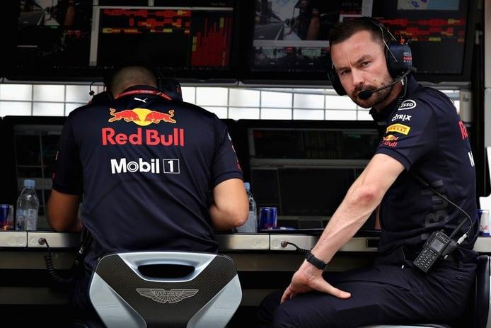 Red Bull recupera a Simon Rennie para impulsar a Albon