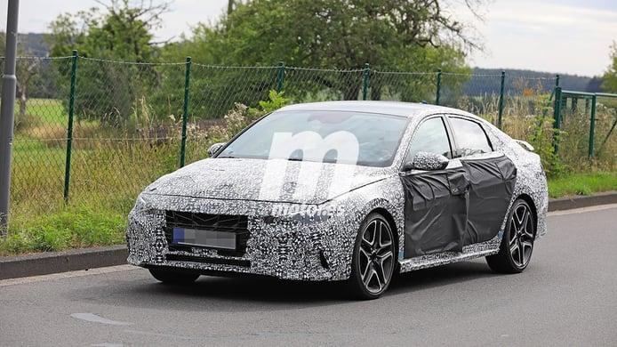 Hyundai Elantra N, primeras fotos espía de la esperada berlina deportiva
