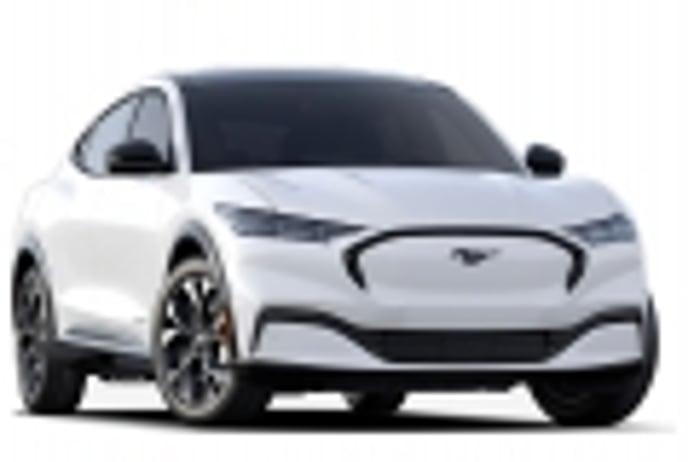 Los precios del nuevo Ford Mustang Mach-E atacan directamente al Tesla Model Y