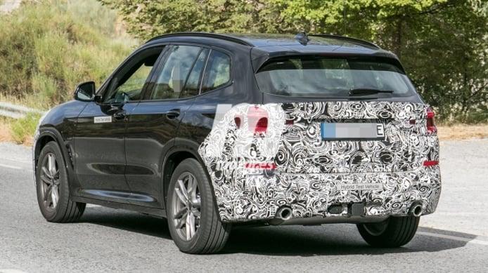BMW X3 híbrido enchufable - foto espía posterior