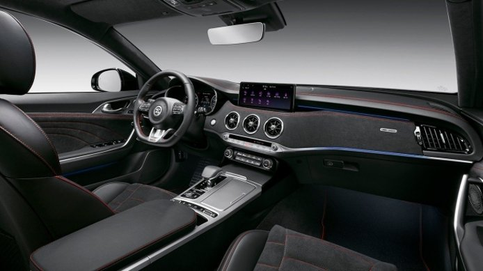 KIA Stinger 2021 - interior