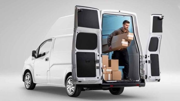 ¿Me pueden multar por llevar carga en una furgoneta 'turismo'?
