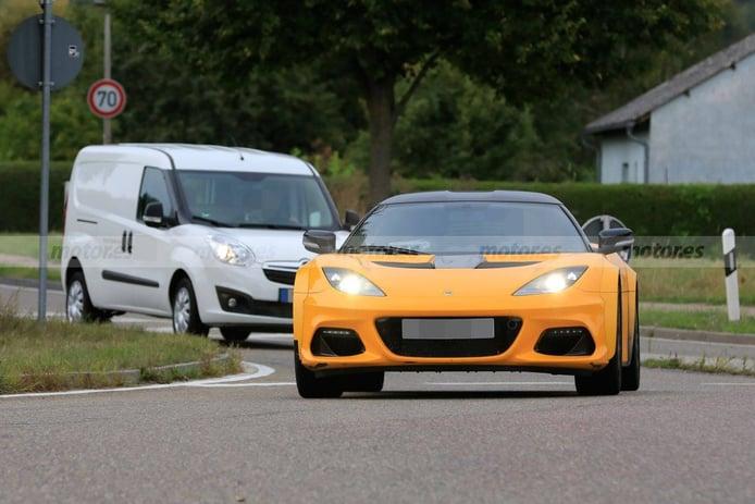 La mula del futuro Lotus Type 131 con todo detalle en nuevas fotos espía