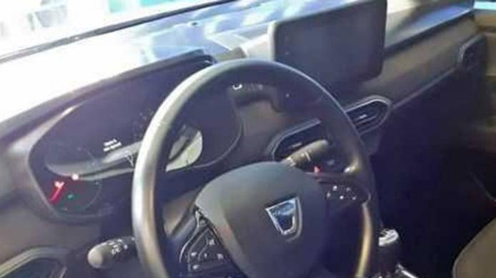 Dacia Sandero 2021 - foto espía interior