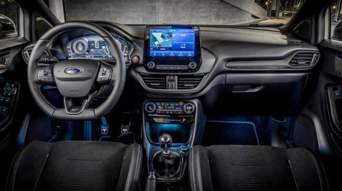 Ford Puma ST - interior