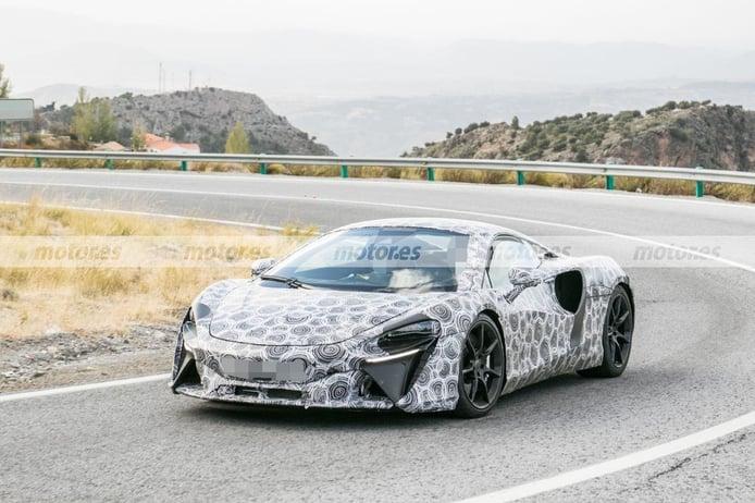 El nuevo McLaren V6 híbrido cazado en el sur de Europa