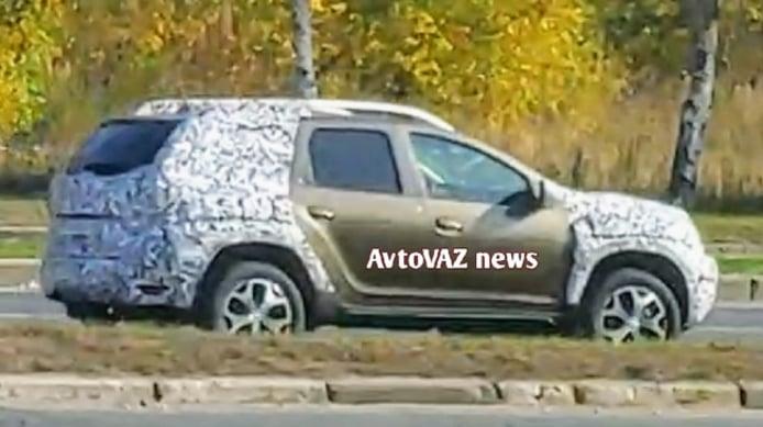 Renault Duster 2021 - foto espía posterior