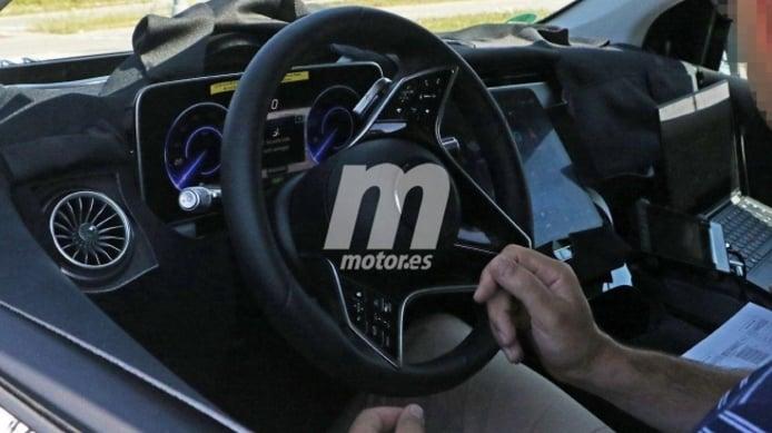 Mercedes EQS - foto espía interior