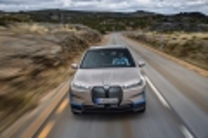 BMW iX, un SUV eléctrico que marca el inicio de una nueva era