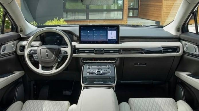 Lincoln Nautilus 2021 - interior