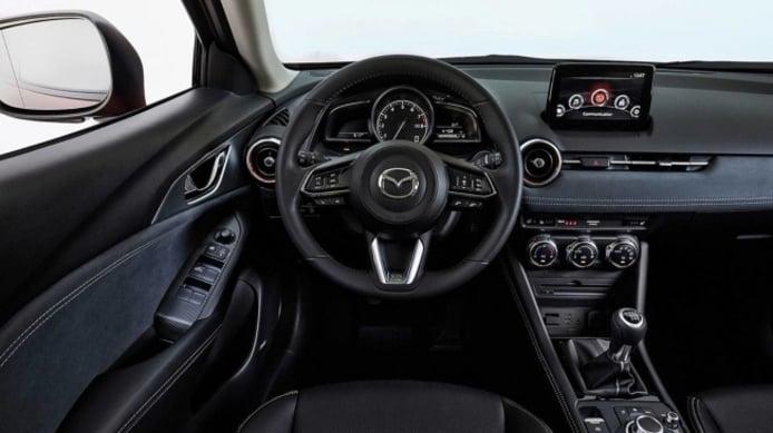 Mazda CX-3 2021 - interior