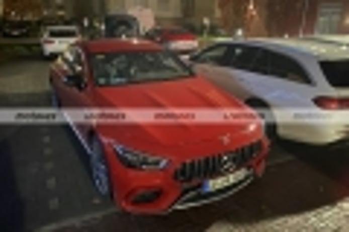 Cazan dos prototipos del nuevo Mercedes-AMG GT 73 e 4MATIC, junto a una flota de pruebas