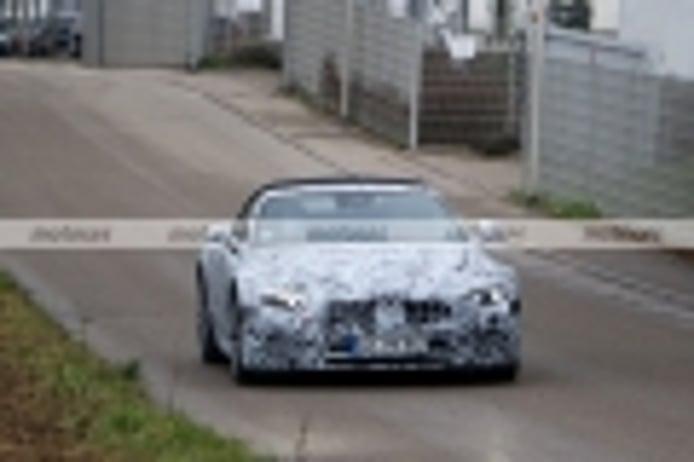 El nuevo Mercedes SL 2021 destapa el techo de lona en nuevas fotos espía