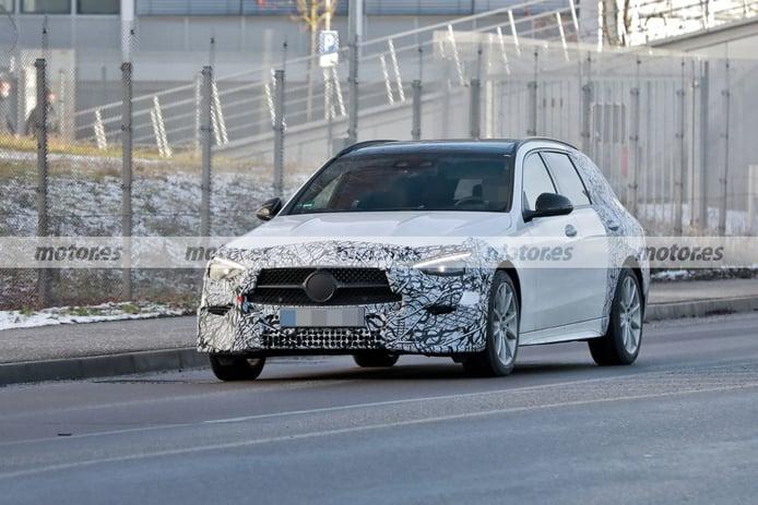 Dos prototipos del nuevo Mercedes Clase C Estate 2021 ultiman su configuración técnica