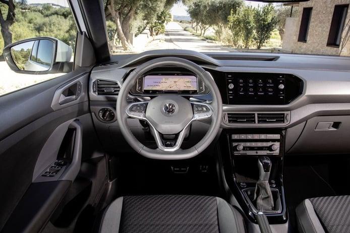 Volkswagen T-Cross R-Line 2021 - interior