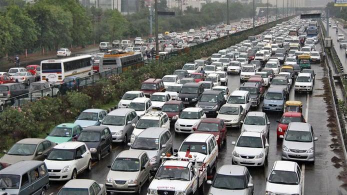 La India quiere rejuvenecer su parque móvil que supera de media los 25 años