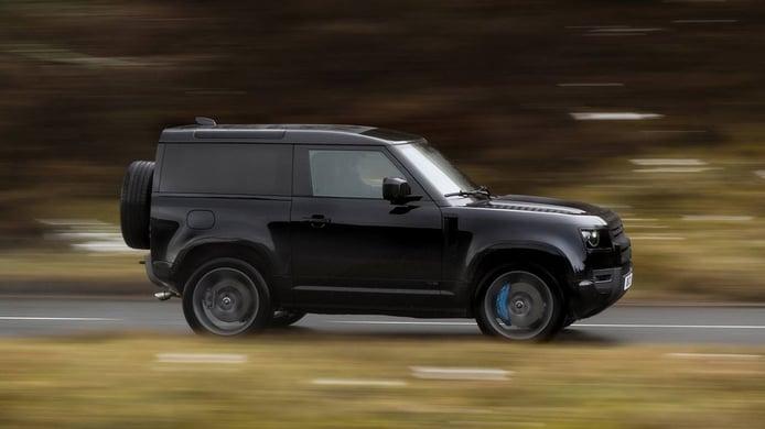Land Rover Defender V8 - lateral