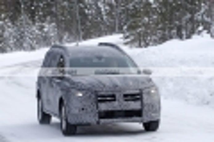 Primeras fotos espía del crossover relevo de los Dacia Lodgy y Logan MCV que llega en 2022