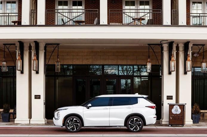 Foto Mitsubishi Outlander 2022 - exterior