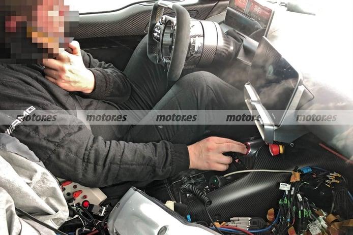 Foto espía Mercedes-AMG ONE 2021 - interior